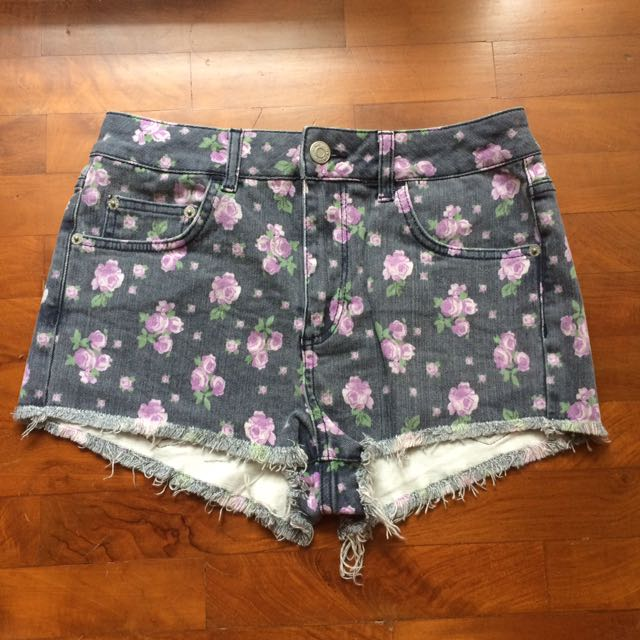 TOPSHOP Floral Print Denim Shorts