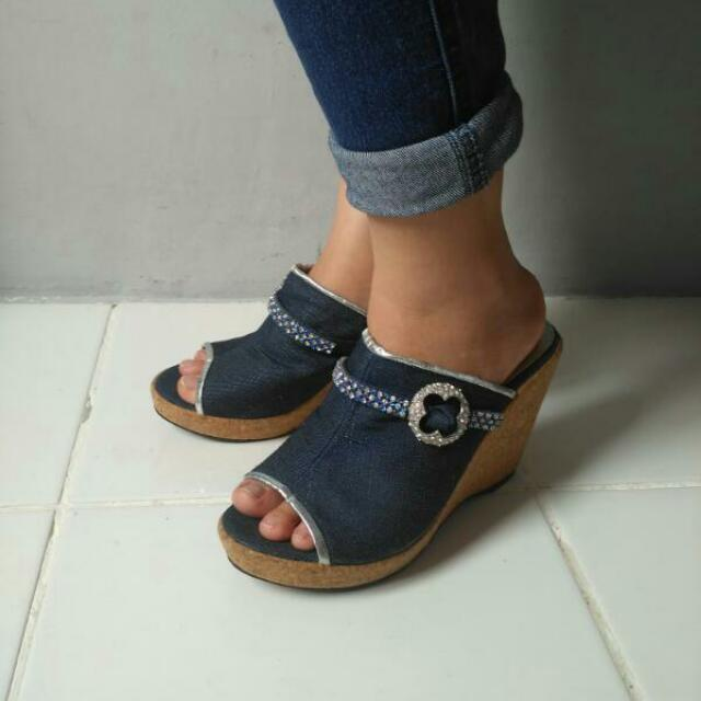 Wedges Jeans