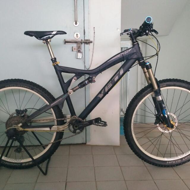 Yeti 575 Full Suspension Mountain Bike (MTB), Bicycles & PMDs ...
