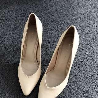 Nude Leather Mi piaci Heels