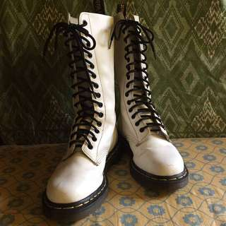 ‼️REPRICED‼️ Dr. Martens 1914 Boots
