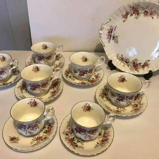 6 Pcs Cups Nd Saucer With Platter All Royal Albert