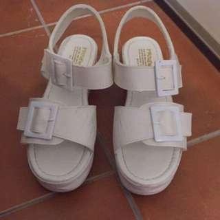 二手 軟墊厚底涼鞋