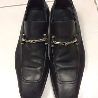 Authentic Gucci leather Shoes For Men