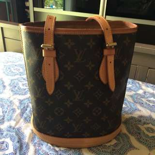 ❌SOLD❌$170 Fast Deal-Authentic Vintage LV Bucket Bag PM