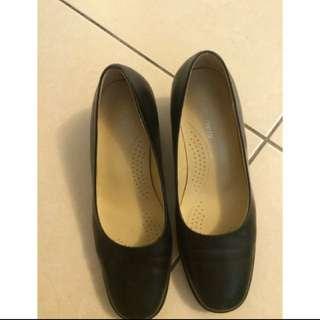 La New 面試鞋
