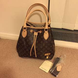 Replica Louis Vuitton Handbag