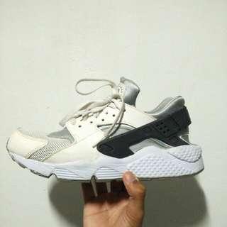 Nike Air Huarache (White and Grey) US 8