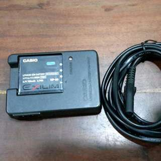 Casio DigiCam Rechargeable battery  (NP-60) w/ Charger & Cable