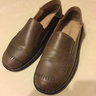travelfox 休閒鞋