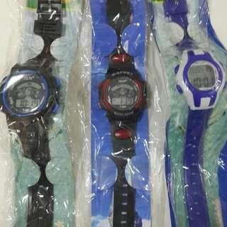 兒童膠手錶包電 $30/1隻,$50/2隻