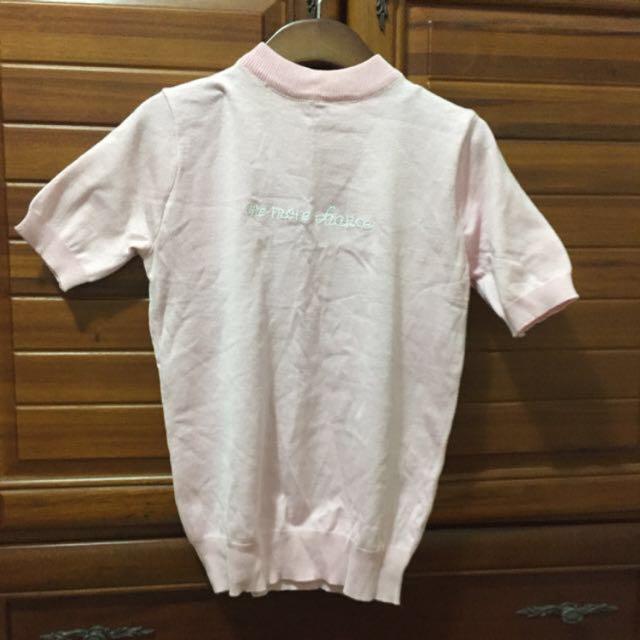 短版微高領粉紅針織上衣