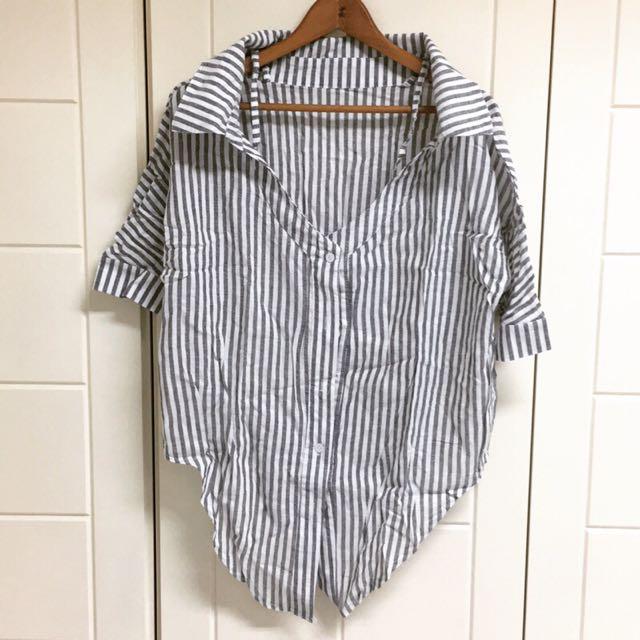 全新寬領露肩線條七分袖襯衫