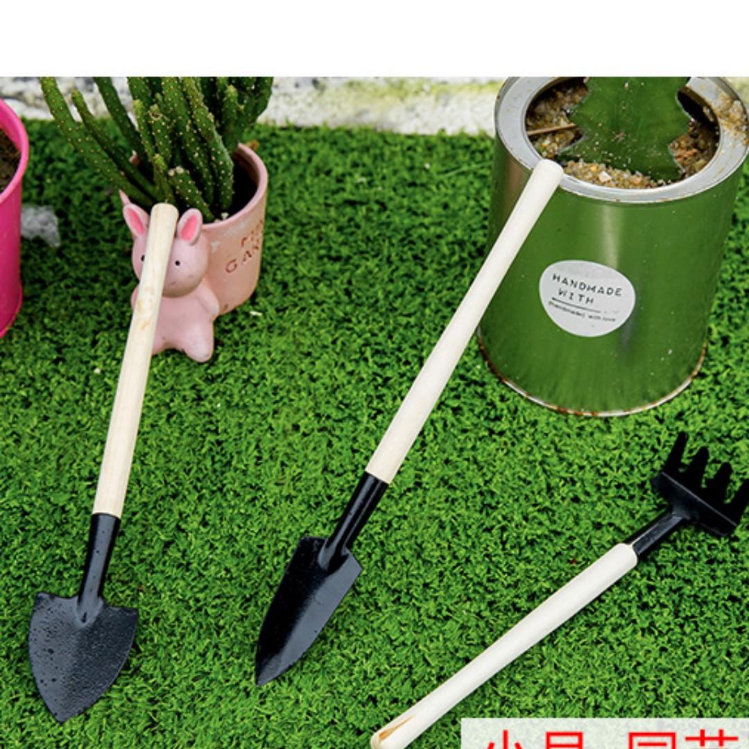 園藝迷你三件式組合   (鏟子,耙子,鍬)
