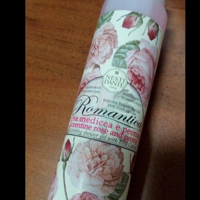 義大利購回   玫瑰沐浴凝膠