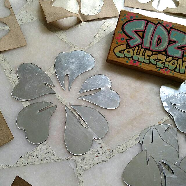 😍 What My Buyer Bought! 😍 To Order This Flower Wall Mirror Stickers, Pls Pm Me 😍 Sidzcolleczion 😍 Pre Order 😍