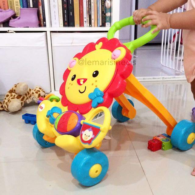 Baby Push Walker Fisher Price Lion