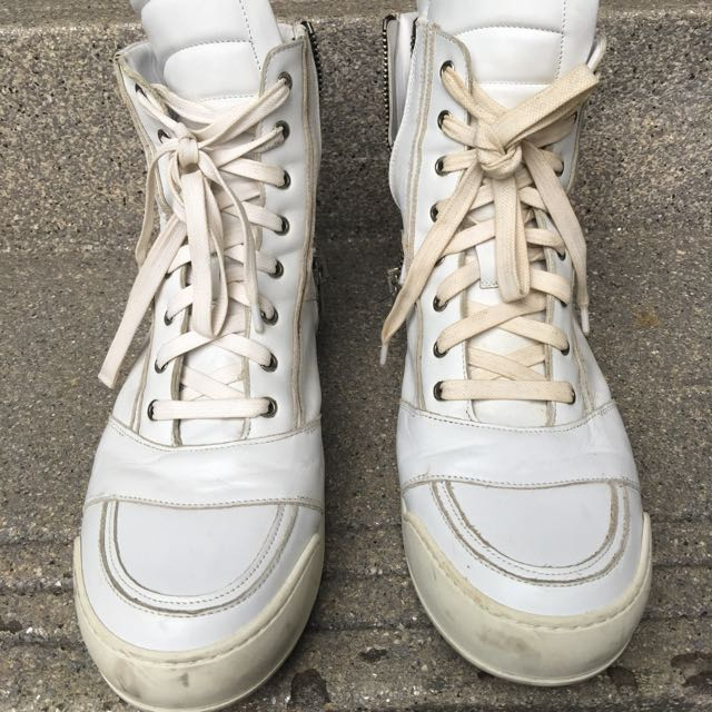 6fdbffd2852 Balmain Leather Sneakers, Men's Fashion, Footwear on Carousell