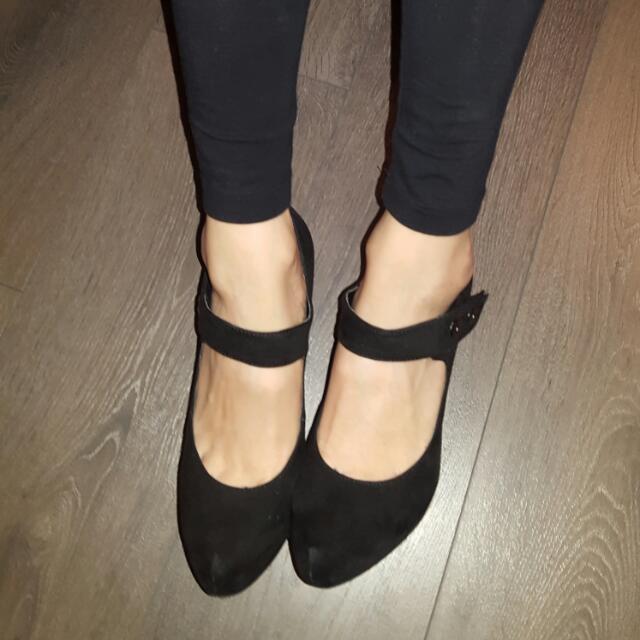 Black Heels Size 7.5
