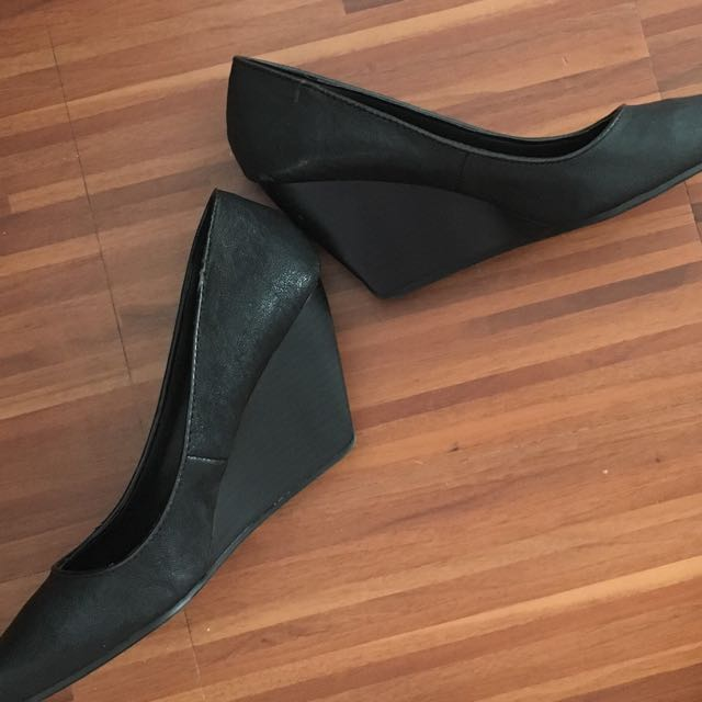 Black Kenneth Cole Wedge