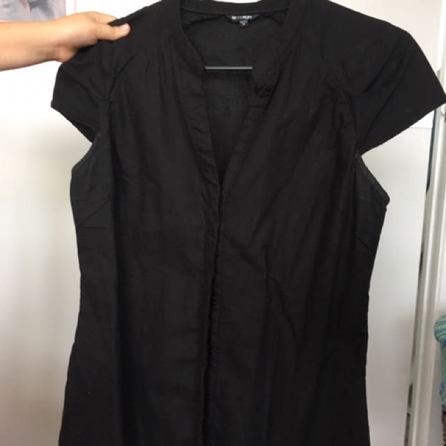 Black Top - Size small