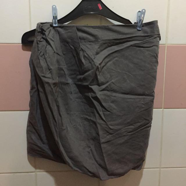 Grey Skirt Xsml