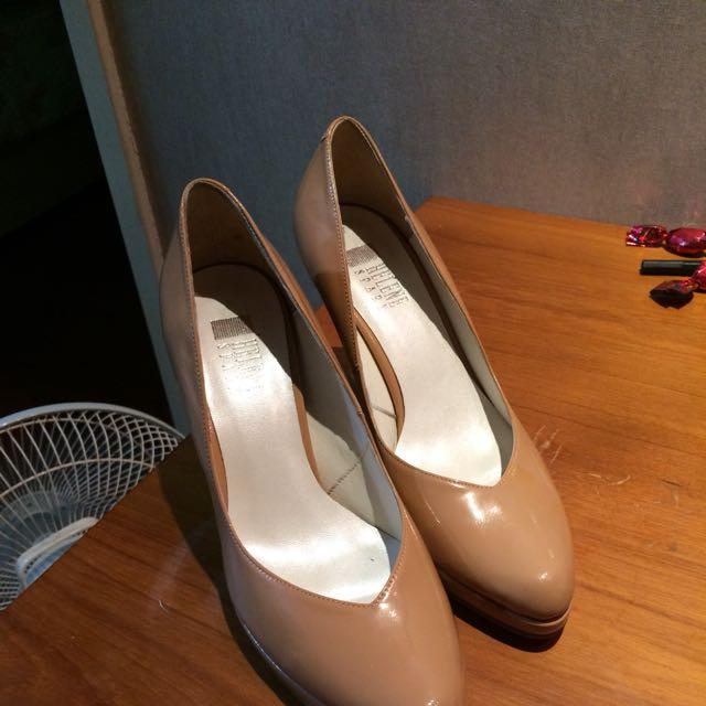Helene Spark裸色尖頭高跟鞋
