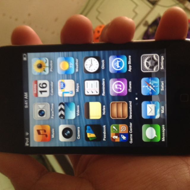 Itouch 4th gen 64gb