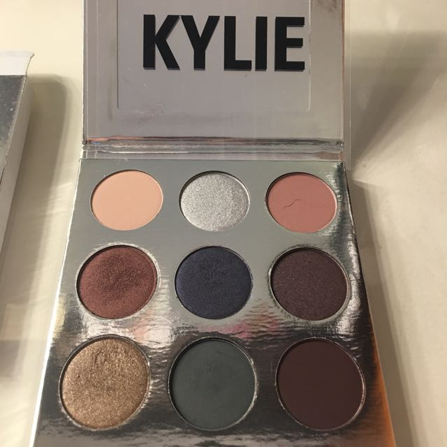 Kylie Cosmetics Holiday Palette Limited Edition