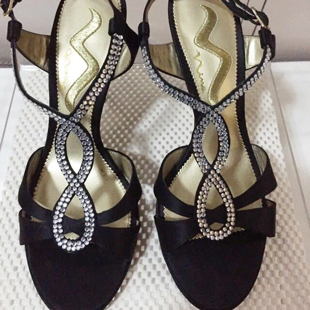 Nina Authentic Women's Black Satin Shoes