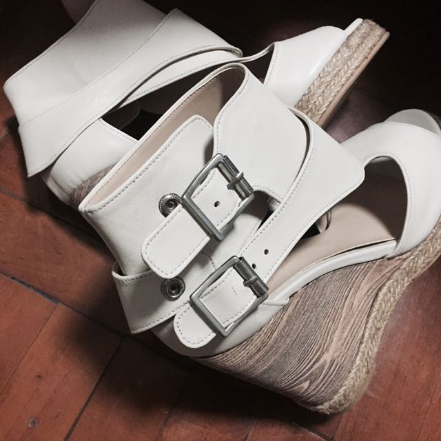 Stylenanda 米白色 高筒 高跟鞋