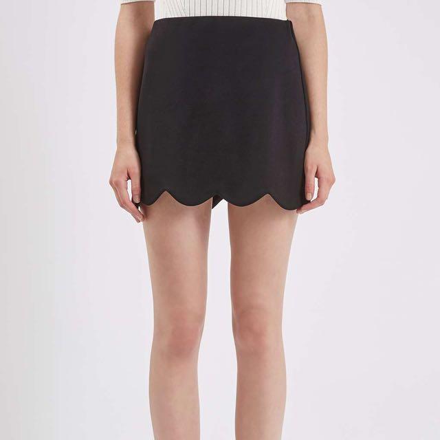 TOPSHOP Black Scalloped Mini Skirt