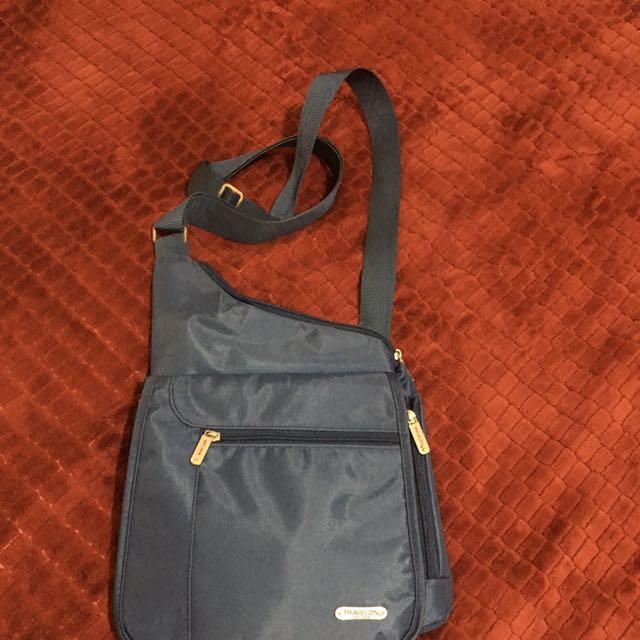 Unisex Travellon Body Bag