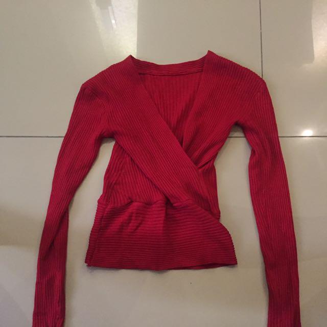 Vneck knit top