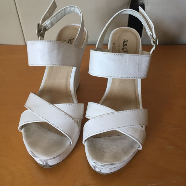 White Wedges