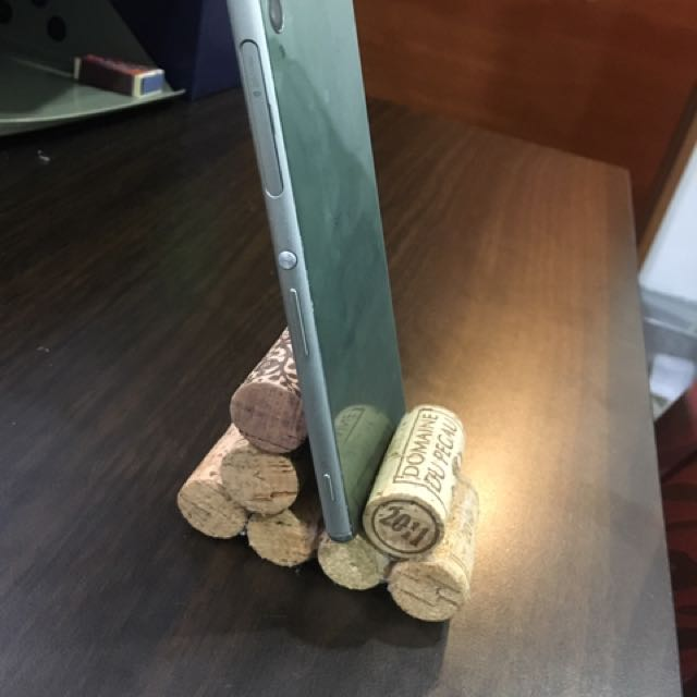 Wine Cork Cellphone Holder