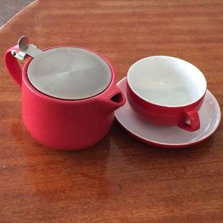 Red Teapot Set