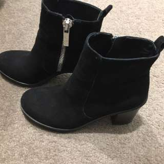 Wittner Suede Boots In Black