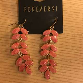 Forever21 紅珊瑚色耳環