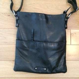 Oran Leather Australia Handbag