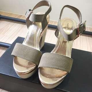 一字性感裸膚金色女神厚底粗跟涼鞋高跟鞋 顯腿長 腿瘦