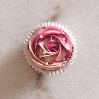 Pink Gradient Roses Vanilla Cupcakes