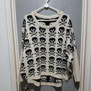 Oversized Sweater Skull BW