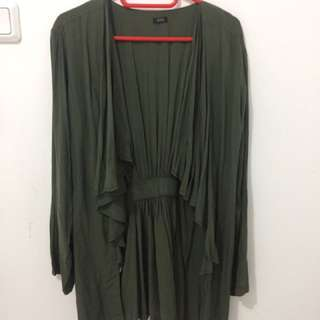 flashy outer