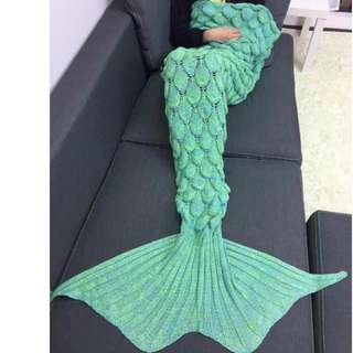 KNITTED MERMAID BLANKETS FOR ADULTS!!