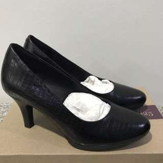 Sepatu High Heels Clarks