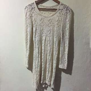 Fitted Off White Lace Dress