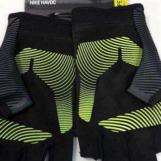 Women's Nike Havoc Training Gloves Brand new
