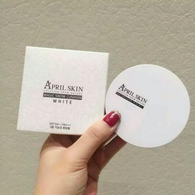 April Skin Magic Snow Cushion White