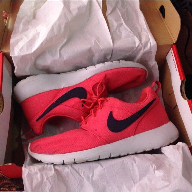 Authentic nike roshe Run